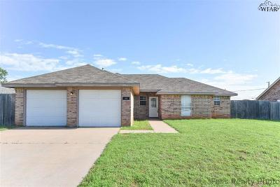 Burkburnett Single Family Home Active W/Option Contract: 1415 Parliament Street