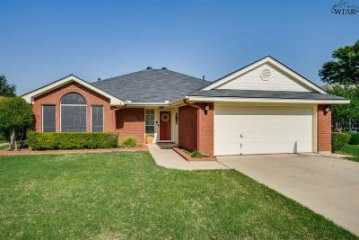 Wichita Falls Single Family Home Active W/Option Contract: 4937 Bayberry Drive