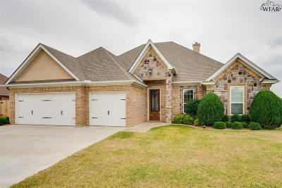 Wichita Falls Single Family Home Active W/Option Contract: 4102 Candlewood Circle