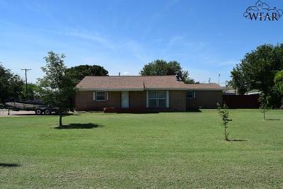 Iowa Park Single Family Home For Sale: 801 W Magnolia Avenue