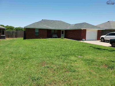 Archer County Single Family Home For Sale: 419 W Cottonwood Street