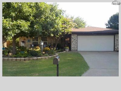 Burkburnett Single Family Home For Sale: 1207 Amherst Street