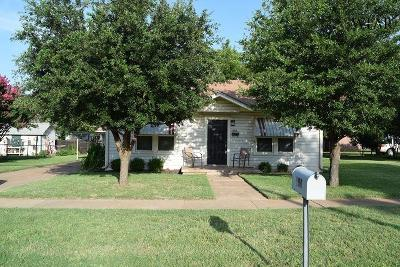 Iowa Park Single Family Home For Sale: 604 N Wall Street