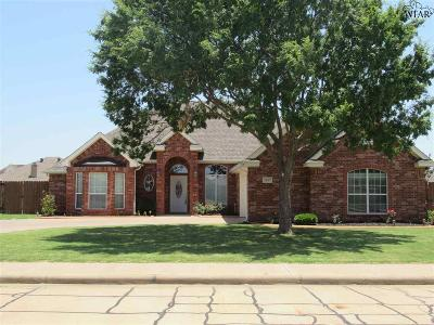 Burkburnett Single Family Home For Sale: 1107 Prestige Drive