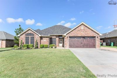 Burkburnett TX Single Family Home Active W/Option Contract: $229,900
