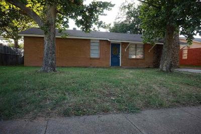 Wichita Falls Single Family Home For Sale: 1706 Cimarron Trail