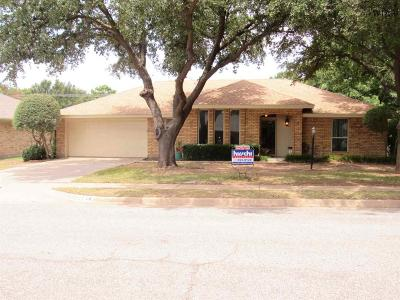 Single Family Home For Sale: 2738 Shepherds Glen