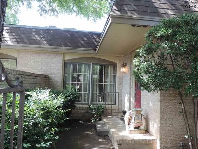 Wichita Falls Single Family Home For Sale: 2411-A Lou Lane