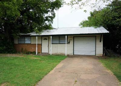 Wichita Falls Single Family Home For Sale: 2701 Roanoke Drive