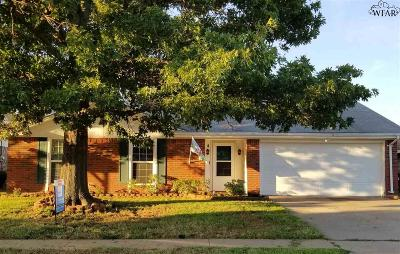 Wichita Falls Single Family Home For Sale: 4 Happy Hill Drive