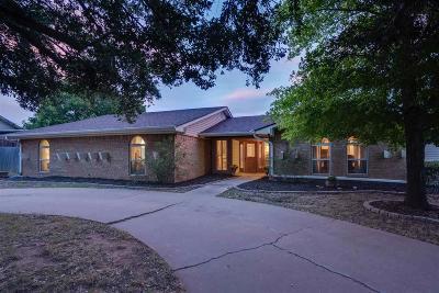 Wichita Falls Single Family Home For Sale: 105 Cap Rock Cove