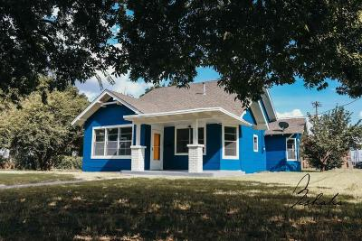 Single Family Home For Sale: 402 E 5th Street