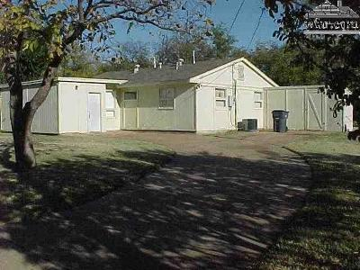Wichita Falls Single Family Home For Sale: 2825 Newsom Circle