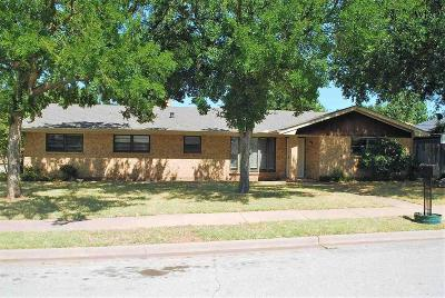 Wichita Falls Single Family Home For Sale: 1604 Brenda Hursh Drive