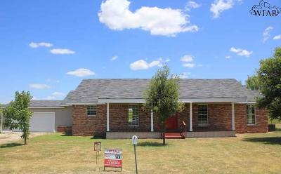 Archer County Single Family Home For Sale: 109 Murphy Road
