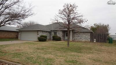 Burkburnett Single Family Home For Sale: 1417 Amherst Street