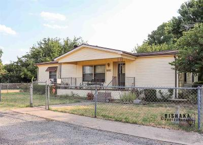 Burkburnett Single Family Home For Sale: 801 N Avenue F