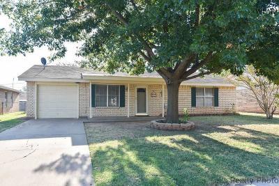 Wichita Falls Single Family Home For Sale: 235 Dirks Drive