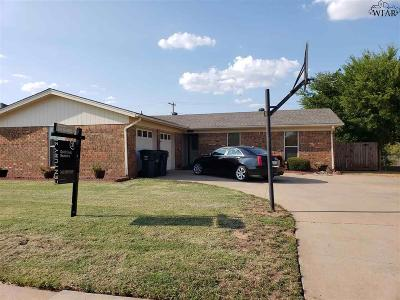 Wichita Falls Single Family Home Active W/Option Contract: 2316 Tinker Trail