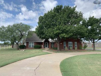 Iowa Park Single Family Home Active W/Option Contract: 612 N Bell Road