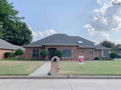 Burkburnett Single Family Home For Sale: 1104 Pheasant Lane