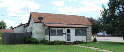 Henrietta Single Family Home For Sale: 201 E Wichita