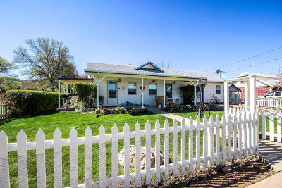 Parowan Single Family Home For Sale: 182 E 100 N
