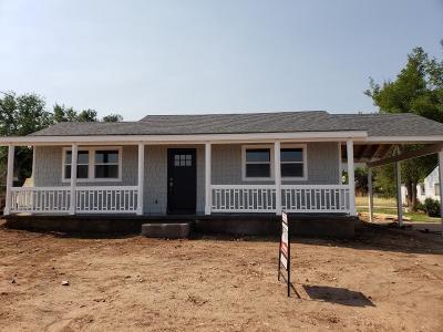 Parowan Single Family Home For Sale: 29 W 400 N