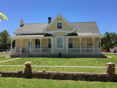 Parowan Single Family Home For Sale: 7 S 200 E