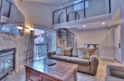 Park City Condo/Townhouse For Sale: 1401 Woodside #301