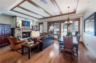 Park City Condo/Townhouse For Sale: 7715 Village Way #304