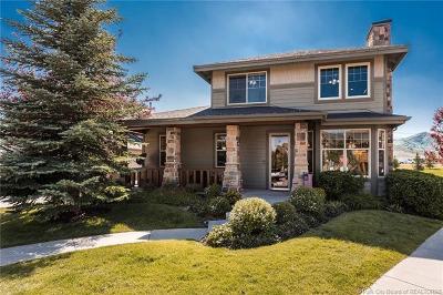 Condo/Townhouse For Sale: 5975 Fox Pointe Circle #A2