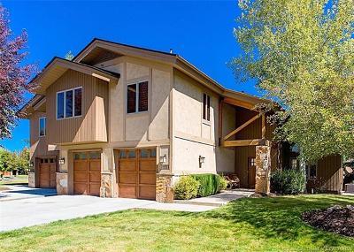Condo/Townhouse For Sale: 2775 Estates Drive