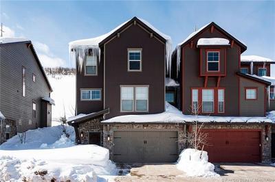 Condo/Townhouse For Sale: 1095 W Abigail Drive