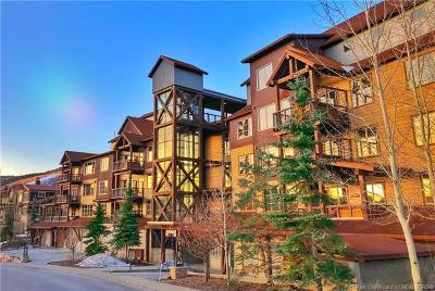 Park City Condo/Townhouse For Sale: 1825 Three Kings Drive #301