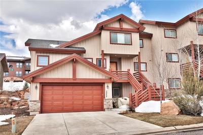 Condo/Townhouse For Sale: 3462 Cedar Drive