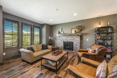 Single Family Home For Sale: 972 W Abigail Drive