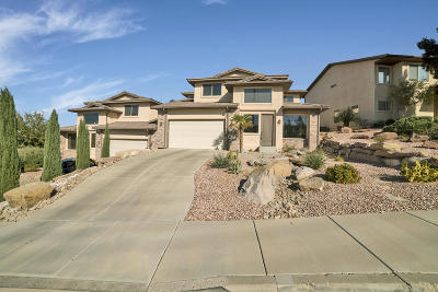 St George UT Single Family Home For Sale: $299,900