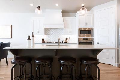 Washington Condo/Townhouse For Sale: 2307 N Canyon Greens Cir