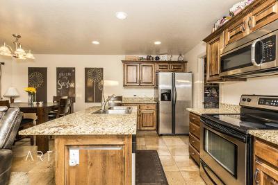 Washington Condo/Townhouse For Sale: 1000 E Bluff View Dr #55