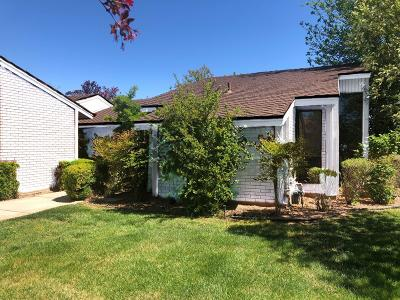 St George UT Single Family Home For Sale: $379,000