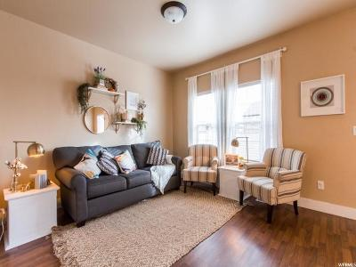 Saratoga Springs Townhouse For Sale: 171 E Catagena Pkwy N