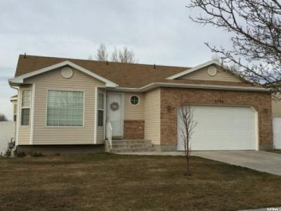 Clinton Single Family Home For Sale: 2796 W 2175 N