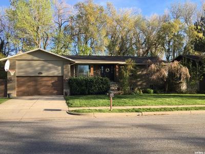 Farmington Single Family Home For Sale: 41 W Joy Dr