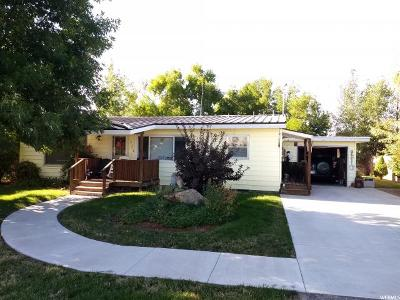 Single Family Home For Sale: 324 Stringtown Rd