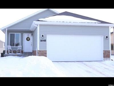 Eagle Mountain Single Family Home For Sale: 1648 E Slow Water Way N