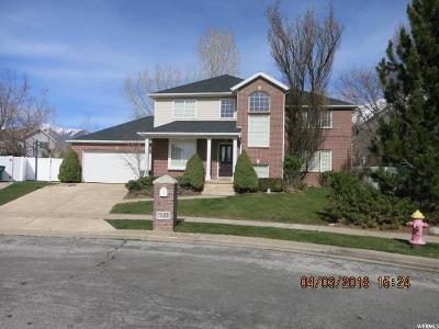 Layton Single Family Home For Sale: 1952 N 2050 E
