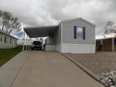 Layton Single Family Home For Sale: 2600 N Hillfield E #!7