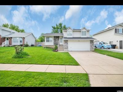 Kaysville Single Family Home For Sale: 439 W Creekside Ln N