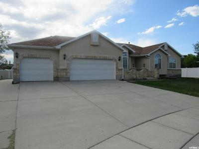 South Jordan Single Family Home For Sale: 10928 S Wood Stone Cir W
